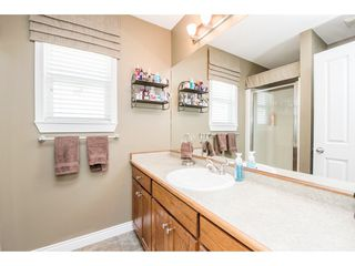 """Photo 12: 4063 CHANNEL Street in Abbotsford: Abbotsford East House for sale in """"Sandyhill"""" : MLS®# R2078342"""