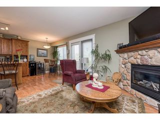 """Photo 7: 4063 CHANNEL Street in Abbotsford: Abbotsford East House for sale in """"Sandyhill"""" : MLS®# R2078342"""