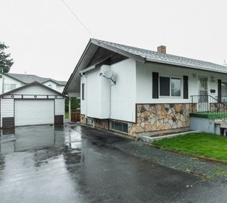 Photo 2: 9649 YOUNG Road in Chilliwack: Chilliwack N Yale-Well House for sale : MLS®# R2094522