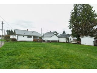 Photo 16: 9649 YOUNG Road in Chilliwack: Chilliwack N Yale-Well House for sale : MLS®# R2094522