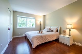 """Photo 4: 8 15488 101A Avenue in Surrey: Guildford Townhouse for sale in """"COBBLEFIELD LANE"""" (North Surrey)  : MLS®# R2094688"""