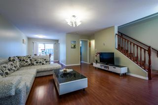 """Photo 3: 8 15488 101A Avenue in Surrey: Guildford Townhouse for sale in """"COBBLEFIELD LANE"""" (North Surrey)  : MLS®# R2094688"""