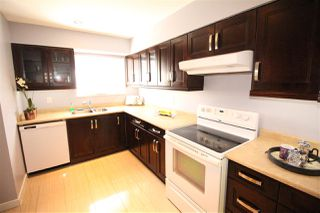 """Photo 5: 25 10756 GUILDFORD Drive in Surrey: Guildford Townhouse for sale in """"Guildford Close"""" (North Surrey)  : MLS®# R2108691"""