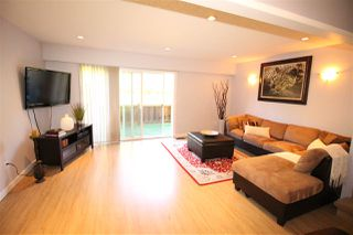 """Photo 2: 25 10756 GUILDFORD Drive in Surrey: Guildford Townhouse for sale in """"Guildford Close"""" (North Surrey)  : MLS®# R2108691"""
