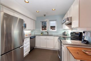 Photo 4: 1108 ST. GEORGES Avenue in North Vancouver: Central Lonsdale House 1/2 Duplex for sale : MLS®# R2119119