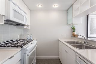 "Photo 4: 2003 939 EXPO Boulevard in Vancouver: Yaletown Condo for sale in ""THE MAX"" (Vancouver West)  : MLS®# R2125801"