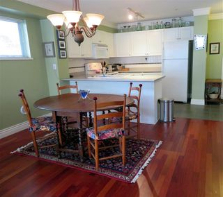 "Photo 3: 104 2815 YEW Street in Vancouver: Kitsilano Condo for sale in ""2815 YEW STREET"" (Vancouver West)  : MLS®# R2136894"