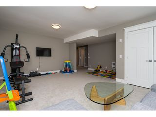 Photo 16: 15776 MOUNTAIN VIEW Drive in Surrey: Grandview Surrey House for sale (South Surrey White Rock)  : MLS®# R2145036
