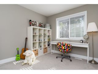Photo 14: 15776 MOUNTAIN VIEW Drive in Surrey: Grandview Surrey House for sale (South Surrey White Rock)  : MLS®# R2145036