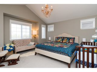 Photo 10: 15776 MOUNTAIN VIEW Drive in Surrey: Grandview Surrey House for sale (South Surrey White Rock)  : MLS®# R2145036