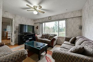 Photo 3: 19957 78B Avenue in Langley: Willoughby Heights House for sale : MLS®# R2175333