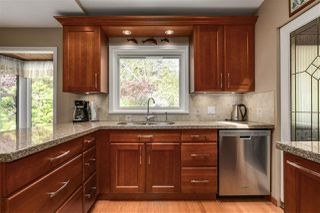 Photo 2: 3147 WILLIAM Avenue in North Vancouver: Lynn Valley House for sale : MLS®# R2178957