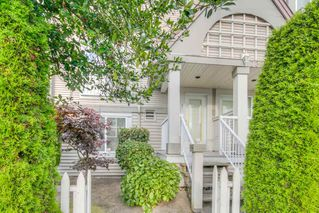 """Photo 1: 3 7360 GILBERT Road in Richmond: Brighouse South Townhouse for sale in """"Sommerside"""" : MLS®# R2190715"""