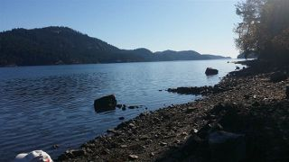 Photo 8: 5820 WALLACE Road: Pender Island Home for sale (Islands-Van. & Gulf)  : MLS®# R2192903