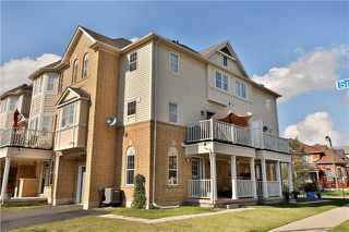 Photo 1: 949 Sprague Place in Milton: Coates House (3-Storey) for sale : MLS®# W3917461