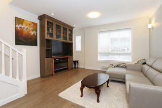 """Photo 2: 34 16127 87 Avenue in Surrey: Fleetwood Tynehead Townhouse for sale in """"Academy"""" : MLS®# R2213641"""