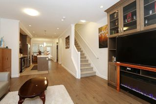 "Photo 4: 34 16127 87 Avenue in Surrey: Fleetwood Tynehead Townhouse for sale in ""Academy"" : MLS®# R2213641"