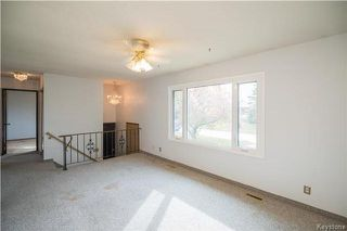 Photo 2: 35 Bramwell Avenue in Winnipeg: East Transcona Residential for sale (3M)  : MLS®# 1730124