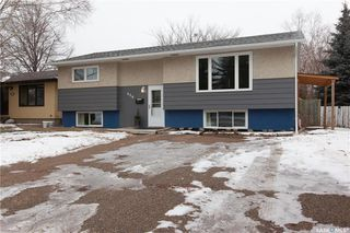 Photo 1: 226 Mount Allison Crescent in Saskatoon: West College Park Residential for sale : MLS®# SK716296