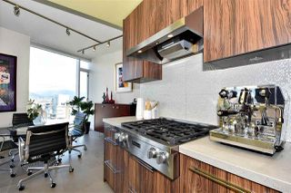 "Photo 9: 2804 1211 MELVILLE Street in Vancouver: Coal Harbour Condo for sale in ""The Ritz"" (Vancouver West)  : MLS®# R2247457"