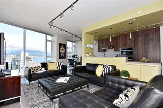 "Photo 3: 2804 1211 MELVILLE Street in Vancouver: Coal Harbour Condo for sale in ""The Ritz"" (Vancouver West)  : MLS®# R2247457"