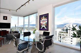 "Photo 10: 2804 1211 MELVILLE Street in Vancouver: Coal Harbour Condo for sale in ""The Ritz"" (Vancouver West)  : MLS®# R2247457"