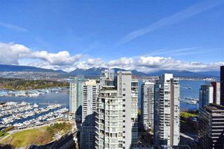 "Photo 16: 2804 1211 MELVILLE Street in Vancouver: Coal Harbour Condo for sale in ""The Ritz"" (Vancouver West)  : MLS®# R2247457"