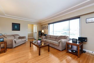 "Photo 3: 7790 TAYLOR Place in Burnaby: The Crest House for sale in ""The Crest"" (Burnaby East)  : MLS®# R2252172"