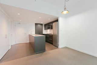 """Photo 5: 301 522 W 8TH Avenue in Vancouver: Fairview VW Condo for sale in """"CROSSROADS"""" (Vancouver West)  : MLS®# R2265344"""
