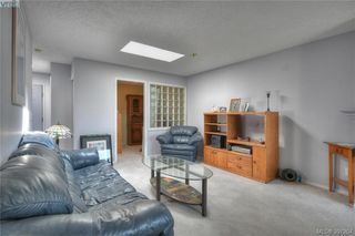 Photo 2: 406 535 Manchester Road in VICTORIA: Vi Burnside Condo Apartment for sale (Victoria)  : MLS®# 397204