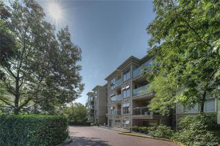 Photo 1: 406 535 Manchester Road in VICTORIA: Vi Burnside Condo Apartment for sale (Victoria)  : MLS®# 397204