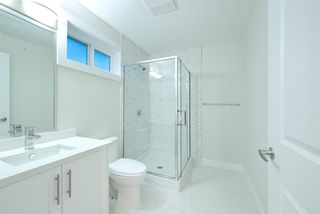 Photo 16: 2158 MANNERING Avenue in Vancouver: Collingwood VE House 1/2 Duplex for sale (Vancouver East)  : MLS®# R2309901