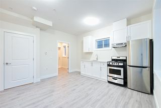 Photo 9: 2158 MANNERING Avenue in Vancouver: Collingwood VE House 1/2 Duplex for sale (Vancouver East)  : MLS®# R2309901