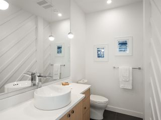 "Photo 10: 4805 ALBERT Street in Burnaby: Capitol Hill BN House for sale in ""Capitol Hill"" (Burnaby North)  : MLS®# R2311457"