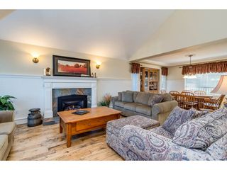"""Photo 4: 10475 WILLOW Grove in Surrey: Fraser Heights House for sale in """"GLENWOOD ESTATES"""" (North Surrey)  : MLS®# R2324163"""