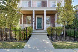 Photo 2: 1304 Kapyong Avenue in Edmonton: Zone 27 Townhouse for sale : MLS®# E4156033