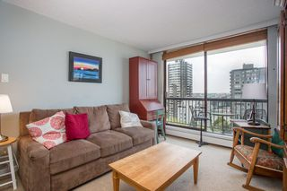 "Photo 6: 901 1146 HARWOOD Street in Vancouver: West End VW Condo for sale in ""The Lamplighter"" (Vancouver West)  : MLS®# R2376230"