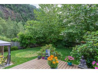 """Photo 18: 530 DRIFTWOOD Avenue: Harrison Hot Springs House for sale in """"Harrison Hot Springs"""" : MLS®# R2383473"""