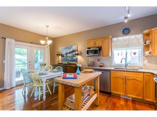"""Photo 3: 530 DRIFTWOOD Avenue: Harrison Hot Springs House for sale in """"Harrison Hot Springs"""" : MLS®# R2383473"""