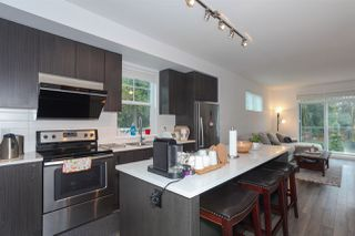 Photo 5: 94 15340 GUILDFORD Drive in Surrey: Guildford Townhouse for sale (North Surrey)  : MLS®# R2421172