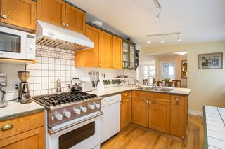 "Photo 10: 2800 GORDON Avenue in Surrey: Crescent Bch Ocean Pk. House for sale in ""CRESCENT BEACH"" (South Surrey White Rock)  : MLS®# R2434977"