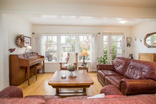 "Photo 5: 2800 GORDON Avenue in Surrey: Crescent Bch Ocean Pk. House for sale in ""CRESCENT BEACH"" (South Surrey White Rock)  : MLS®# R2434977"