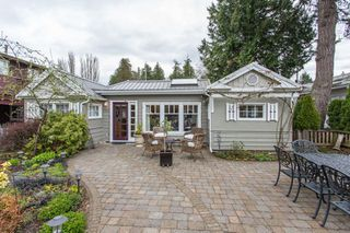 "Photo 1: 2800 GORDON Avenue in Surrey: Crescent Bch Ocean Pk. House for sale in ""CRESCENT BEACH"" (South Surrey White Rock)  : MLS®# R2434977"