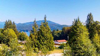 """Photo 38: 587 WOODLAND Avenue in Gibsons: Gibsons & Area House for sale in """"Vista Ridge"""" (Sunshine Coast)  : MLS®# R2484650"""