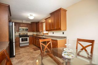 Photo 2: 324 Columbia Drive in Winnipeg: Whyte Ridge Residential for sale (1P)  : MLS®# 202023445