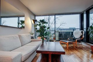 """Photo 3: 307 2525 BLENHEIM Street in Vancouver: Kitsilano Condo for sale in """"THE MACK"""" (Vancouver West)  : MLS®# R2517889"""