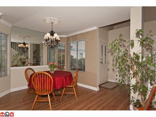 Photo 5: 24 15840 84TH Avenue in Surrey: Fleetwood Tynehead Townhouse for sale : MLS®# F1110783