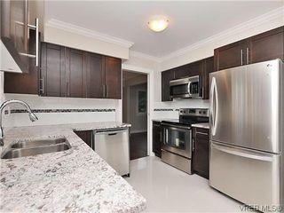 Photo 2: 817 Kildonan Rd in Victoria: SE High Quadra Single Family Detached for sale (Saanich East)  : MLS®# 317920