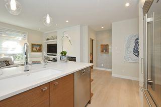 Photo 8: 208 1969 Oak Bay Avenue in VICTORIA: Vi Fairfield East Condo Apartment for sale (Victoria)  : MLS®# 363073