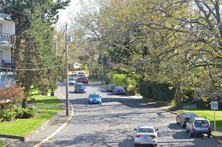 Photo 17: 208 1969 Oak Bay Avenue in VICTORIA: Vi Fairfield East Condo Apartment for sale (Victoria)  : MLS®# 363073